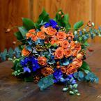 Kék-narancssárga őszi menyasszonyi csokor
