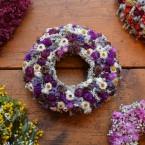 Sóvirág koszorú lila virágokkal