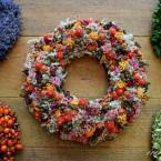 Őszi terméses-bogyós sóvirág koszorú