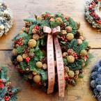 Barna terméses-bogyós karácsonyi koszorú