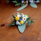 Vőlegény kitűző szárított virágokból