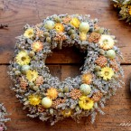 Húsvéti sóvirág koszorú sárga virágokkal