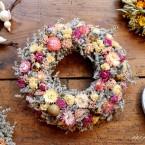 Húsvéti sóvirág koszorú rózsaszín virágokkal
